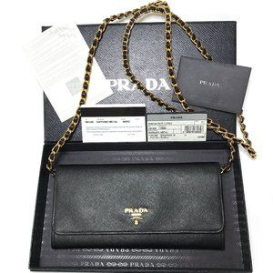 Auc Saffiano Prada Crossbody bag/Wallet on a Chain